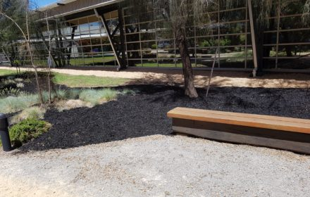 Carry Mulch, Clayton - Masterpiece Gardenscapes